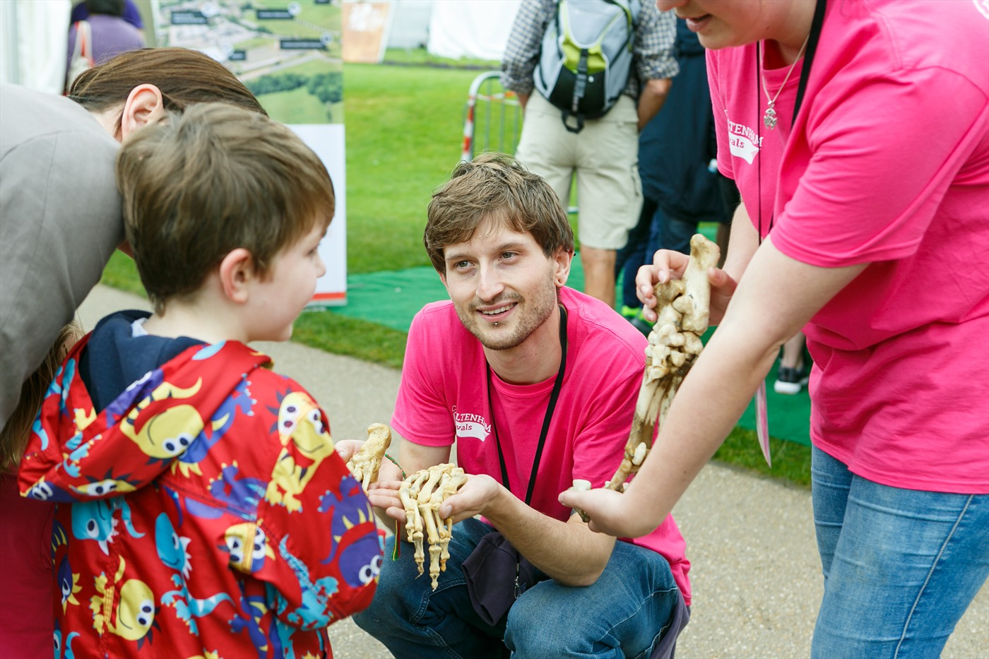 news job vacancy volunteering at cheltenham science festival 2017
