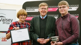 David Vaisey Prize 2017 awarded to Brean Library by Alan Bennett & Ann Robinson