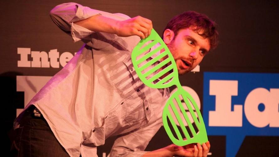 2012 FameLab UK finalist Andrew Steele