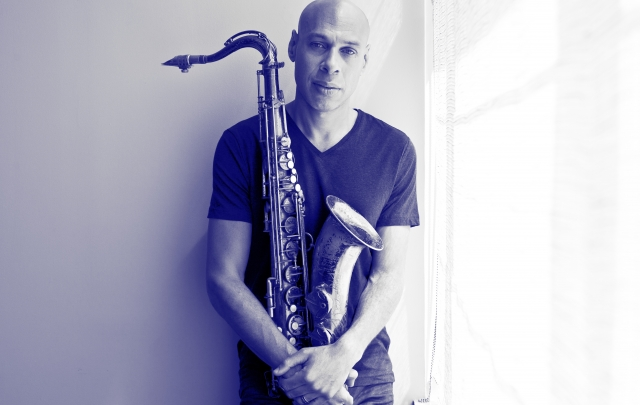 Photo - Joshua Redman bw1.jpg