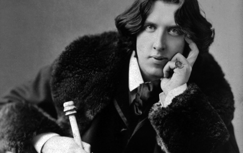 Oscar Wilde: The First Celebrity