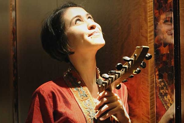 Discover The Arabic Oud with Rihab Azar