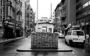 pedestrian-black-and-white-road-street-photography-alley-923935-pxhere.com.jpg