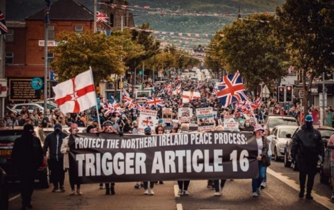 REPLACEMENT IMAGE L182 Northern Ireland A Century Of Division.jpg