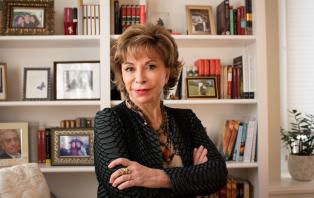 Read the World Isabel Allende .png